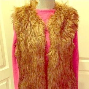 🆕 Forever 21 Faux Fur Vest